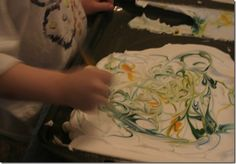 Fun with shaving cream and food coloring…Make marbled paper with your kids! Fun Crafts, Crafts For Kids, Arts And Crafts, Paper Crafts, School Art Projects, Projects For Kids, Marbling Ink, Picture Source, Marble Art