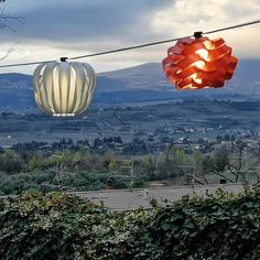an accessory designed by a cable which allows the application of small and medium Ideal to give a touch of to the most various locations. Light Building, Outdoor Projects, Smart Home, Lampshades, Lighting Design, Elegant, World, Cable, Touch