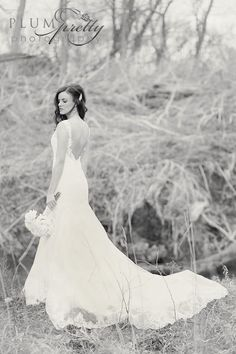www.plumprettyphotography.com / Colorado Wedding Photography / Shabby Chic Weddings / Rustic Weddings / Plum Pretty Photography / Trash the Dress / Bridal Portraits
