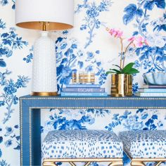 Palm Beach interior designer Leta Austin Foster restores Winchester Virginia home with traditional classic decor chintz treillage antiques Gracie wallpaper Plywood Furniture, Furniture Design, Chair Design, Modern Furniture, Hollywood Regency, Foyer Design, Design Design, Design Ideas, Wall Design
