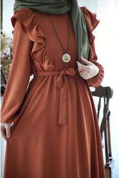 Stylish Hijab, Modest Fashion Hijab, Modern Hijab Fashion, Muslim Women Fashion, Hijab Fashion Inspiration, Abaya Fashion, Fashion Dresses, Estilo Abaya, Mode Turban