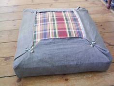 Great idea for a futon chair cover! From Jezze Prints: Upholstery for the lazy girl!