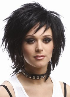 Latest 2019 Hair Style We are trying to help people to show the most great hair styles on our web site . Choppy Haircuts, Short Shag Hairstyles, Layered Haircuts, Short Hair With Layers, Short Hair Cuts, Medium Hair Styles, Short Hair Styles, Sassy Hair, Haircut And Color