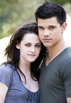Taylor reveals in a new interview that he and real life best friend K-Stew's kidding around was caught on film and incorporated into 'Breaking Dawn!' Kristen Stewart and Taylor Lautner are the best of friends on and off screen.