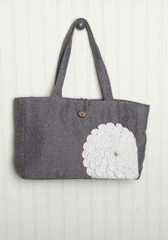 *Ruche Inspired* must have, must make, a yellow flower against denim or grey wool would be AWESOME!