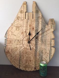 Lovely Laser Engraved Art Ideas To Make Every Occasion Memorable - Bored Art Engraving Art, Laser Engraving, Routeur Cnc, Laser Cutter Projects, Star Wars Facts, Star Wars Merchandise, Diy Clock, Christmas Wood, Tiger Tattoo