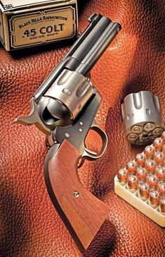 Colt Single Action Army, Single Action Revolvers, Weapons Guns, Guns And Ammo, Western Holsters, Revolver Pistol, Custom Guns, Gun Holster, Cool Guns