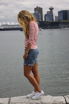 12 casual spring outfits for school with Converse shoes #casualsummeroutfits