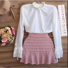 zpr Vendas pelo site . FRETE GRÁTIS ! loja.partystyle.com.br Blusa off White manga longa com laço e saia de Piquê colorida ( branca , rosa, nude , vermelha ou preta) bordada com pérolas TAM P M ou G  BLUSA R$120,00 SAIA R$100,00  VENDIDOS SEPARADAMENTE  3 X sem juros - - - * #lojapartystyle_ #modafeminina #modacasual #modapraia #moda #fashion #tendencia #trend #verao #summer #ss16 #sale #promocao #vestido #vestidos #vestidosdefesta #ecommerce #lojavirtual #vestidos #vestidodetricot #neoprene…
