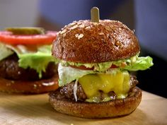 Get this all-star, easy-to-follow LT Guacamole Burger recipe from Barefoot Contessa