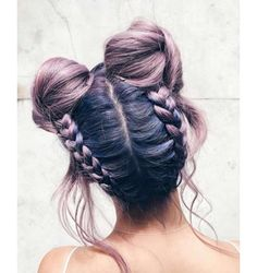 ▷ Over 1001 ideas and inspirations for fantastic bun hairstyles - M . - ▷ Over 1001 ideas and inspirations for fantastic bun hairstyles – girls with purple hair and pr - Girl With Purple Hair, Hair Color Purple, Girl Hair, Hair Dye Colors, Coiffure Hair, Bun Hairstyles, Fringe Hairstyles, Hairstyles 2016, Feathered Hairstyles