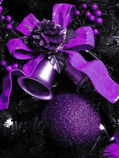 Purple Christmas Decoration ideas, which is Edgy- Chic and One of a kind. Check out the best Purple Christmas decor, Christmas ornaments, wreath ideas here. Purple Love, Purple Lilac, All Things Purple, Shades Of Purple, Purple And Black, Purple Stuff, Purple Swag, Purple Wreath, Purple Velvet