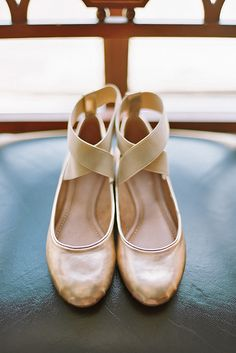 Flats for brides is a wonderful and the most comfy alternative to the high-heeled shoe.There is some of a cute wedding flats variant. Wedding Flats For Bride, Bride Flats, Gold Wedding Shoes, Ballet Wedding Shoes, Prom Shoes, Gold Flats, Ballerina Flats, Ballet Flats, Me Too Shoes