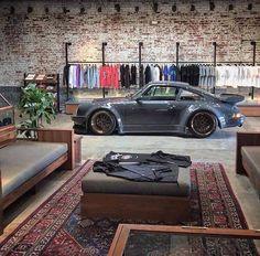 Porsche garage and loft garage гараж дом, гараж мечты, гараж. Man Cave Garage, Garage House, Car Garage, Garage Walls, Car Man Cave, Men Cave, Garage Cabinets, Porsche Garage, Porsche 911