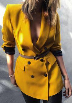 spring fashion trends / yellow blazer + black skinnies + belt