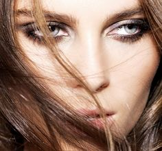 5-Step Party Eyes     #VioletGrey, The Industry's Beauty Edit