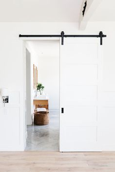 You'll Want To Steal ALL the Design Inspiration from this Gorgeous Home Sliding Bedroom Doors, White Bedroom Door, Bedroom Barn Door, Barn Style Sliding Doors, Sliding Door Design, Barn Door Designs, White Doors, Barn Door White, Interior Barn Doors