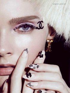 Unhas decoradas, nail art, CHANEL.