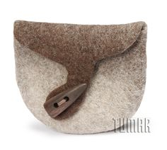 Coin case. Felt - 100% wool. Handmade, solid-rolled, ala-qiyiz technique. Wooden button. Color: natural light + dark. Christmas collection 2016. Tumar Art Group.