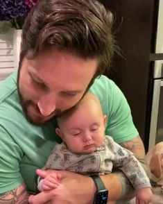 Funny Videos For Kids, Cute Baby Videos, Funny Animal Videos, Cute Funny Babies, Cute Kids, Good Mood Quotes, Baby Corner, Funny Baby Memes, Cute Little Baby