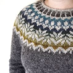 Knitting Patterns Wear afmaeli sweater (free pattern on ravelry) in lett lopi icelandic wool. Fair Isle Knitting Patterns, Sweater Knitting Patterns, Knitting Yarn, Knit Patterns, Free Knitting, Free Crochet, Knit Crochet, Summer Knitting, Icelandic Sweaters