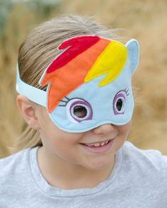 Hey, I found this really awesome Etsy listing at https://www.etsy.com/listing/198295345/my-little-pony-rainbow-dash-felt-mask