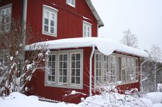 G a m l a A f f ä r e n House Trim, My House, Sweden House, Red Houses, Red Farmhouse, New England Style, House Extensions, Exterior Colors, Conservatory
