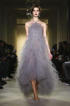 Such an elegant dress - Marchesa Ready To Wear Fall Winter 2015 New York | Via: NOWFASHION