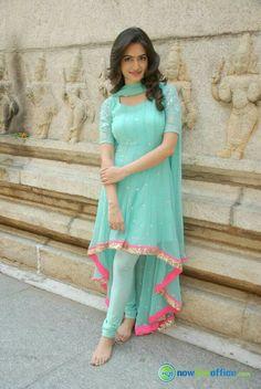 24 Ideas Wedding Guest Outfit Indian Blouses For 2019 Indian Gowns Dresses, Indian Fashion Dresses, Dress Indian Style, Pakistani Dresses, Indian Outfits, Indian Wear, Blue Dresses, Salwar Designs, Kurta Designs Women