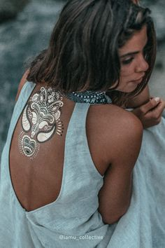Premium Metallic Temporary Flash Tattoos by iamucollective.com The Metallic Henna Collection from only US$21 + shipping. Includes Headpiece, Bindis, Wristcuffs, Finger Tattoos and much more.