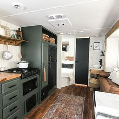 Ready to cozy up and hit the road? This gal is is calling our name, and she's up for grabs! Great job on the reno, 👏🏼🚐🖤 Tiny House Living, Rv Living, Rv Redo, Rv Homes, Mobile Living, Kitchen Cabinet Remodel, Rv Interior, Camper Makeover, Remodeled Campers