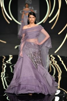 Are you looking for indo-western cocktail/sangeet evening gowns? Then you have to check out Gaurav Gupta collection. Prices range between to Lakhs Indian Fancy Dress, Asian Wedding Dress, Wedding Dresses For Girls, Indian Designer Outfits, Designer Dresses, Designer Wear, Bridal Lehenga Collection, Reception Gown, Princess Ball Gowns