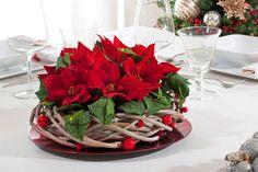 Centrotavola Stelle di Natale rosse di FLORART-COMPOSIZIONI-FIORI-ARTIFICIALI su DaWanda.com