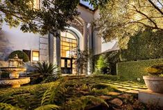 Impressive diplomatic residence in Woodhill for R10.6 million