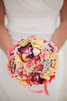 This would be so fun to make! #beachweddingbouquet #cdfinspiration