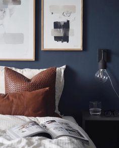 """Designerhome_norge on Instagram: """"Skinnputene fra @cominghomeas er super fine og har den mykeste skinnkvaliteten😍 📷 @itskjakobsen  www.designerhome.no"""" Throw Pillows, Instagram, Toss Pillows, Cushions, Decorative Pillows, Decor Pillows, Scatter Cushions"""