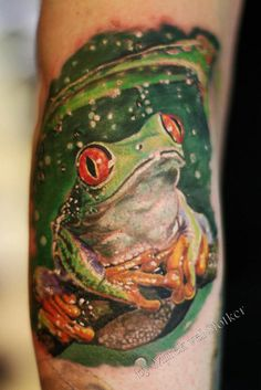 45 Creative Animals Wildlife Tattoo Designs and Ideas For Inspiration Body Art Tattoos, Cool Tattoos, Awesome Tattoos, Tattoo Ink, Tree Frog Tattoos, Wildlife Tattoo, Frog Drawing, Alien Tattoo, Frog Art