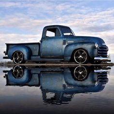 Chevy trucks aficionados are not just after the newer trucks built by Chevrolet. They are also into oldies but goodies trucks that have been magnificently preserved for long years. Rat Rods, Chevy C10, Chevy Pickups, 1951 Chevy Truck, Classic Chevy Trucks, Classic Cars, Chevy Classic, Classic Style, Custom Trucks