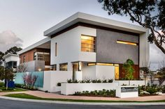 Architecture:The Appealathon House In Perth: With Luxurious Decor And Minimalist Overtones Snazzy Street Facade Of Modern Appealathon House With White Wall Concrete Wall Wood Accent Aqua Glass Fence Wall Small Garden Large Glass Window Warmth Lighting Design Your Own Home, Dream Home Design, Modern House Design, Modern Interior Design, Residential Architecture, Amazing Architecture, Interior Architecture, Modern Architecture House, Design Exterior