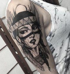 Tatuaż Indianka - postacie, na ramieniu, dla kobiet