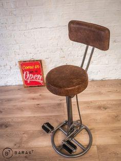 Tabouret de bar à pédales avec dossier Bar Original, Piece A Vivre, Decoration, Stool, Furniture, Home Decor, Iron, Chair, Decor
