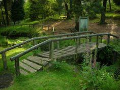 Puente Farm Pond, Ponds Backyard, Wood Bridge, Cottage Homes, Garden Bridge, Exterior Design, Garden Landscaping, Gazebo, Patio