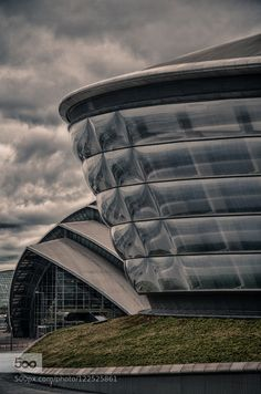 SSE Hydro and SECC Precinct We took part in a 2015 Euro Photowalk to Scotland.  Part of this time was spent in Glasgow.  The two buildings in this picture are of the SSE Hydro (on the right - an entertainments and sports centre) and the SECC Precinct (Scottish Exhibition and Conference Centre) such amazing architecture!