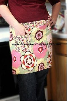 Quick and Easy Half Apron - my second sewing project. Fairly easy and really cute!