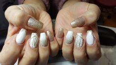 gold nails, white nails, gold nail art, white nail art, glitter nails, coffin shape nails, nail designs, gold glitter, natural nail colors
