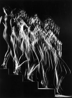 A nude descends a staircase, 1942.  잔상, 동세
