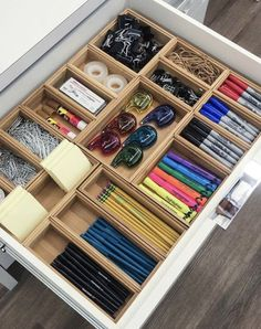 Legende 45 Awesome Home Office Organization Ideen und DIY Office Storage, . - Legende 45 Awesome Home Office Organization Ideen und DIY Office Storage, - Desk Drawer Organisation, Home Office Organization, Drawer Organisers, Home Office Decor, Home Decor, Desk Storage, Organization Ideas For The Home, Office Storage Ideas, Junk Drawer Organizing