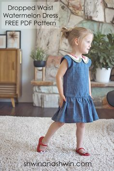 Free pattern: Little girls' watermelon dress This dress! It's a simple drop waist dress with the cutest watermelon collar. And Shauna from Shwin & Shwin shares a free sewing pattern! Sewing Patterns Girls, Girl Dress Patterns, Skirt Patterns, Clothes Patterns, Coat Patterns, Blouse Patterns, Sewing Kids Clothes, Sewing For Kids, Free Sewing