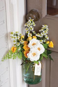 May Day flowers~Image via Ribbon In Our Ribbon.