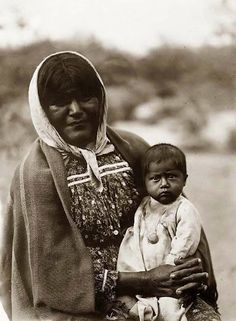Chemehuevi mother and child - 1907
